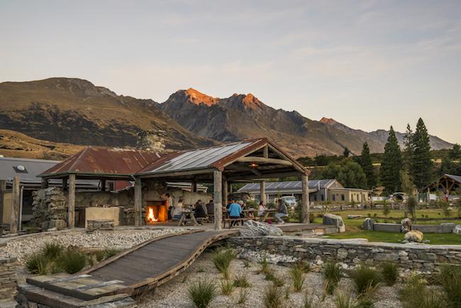 Camp Glenorchy Lodge