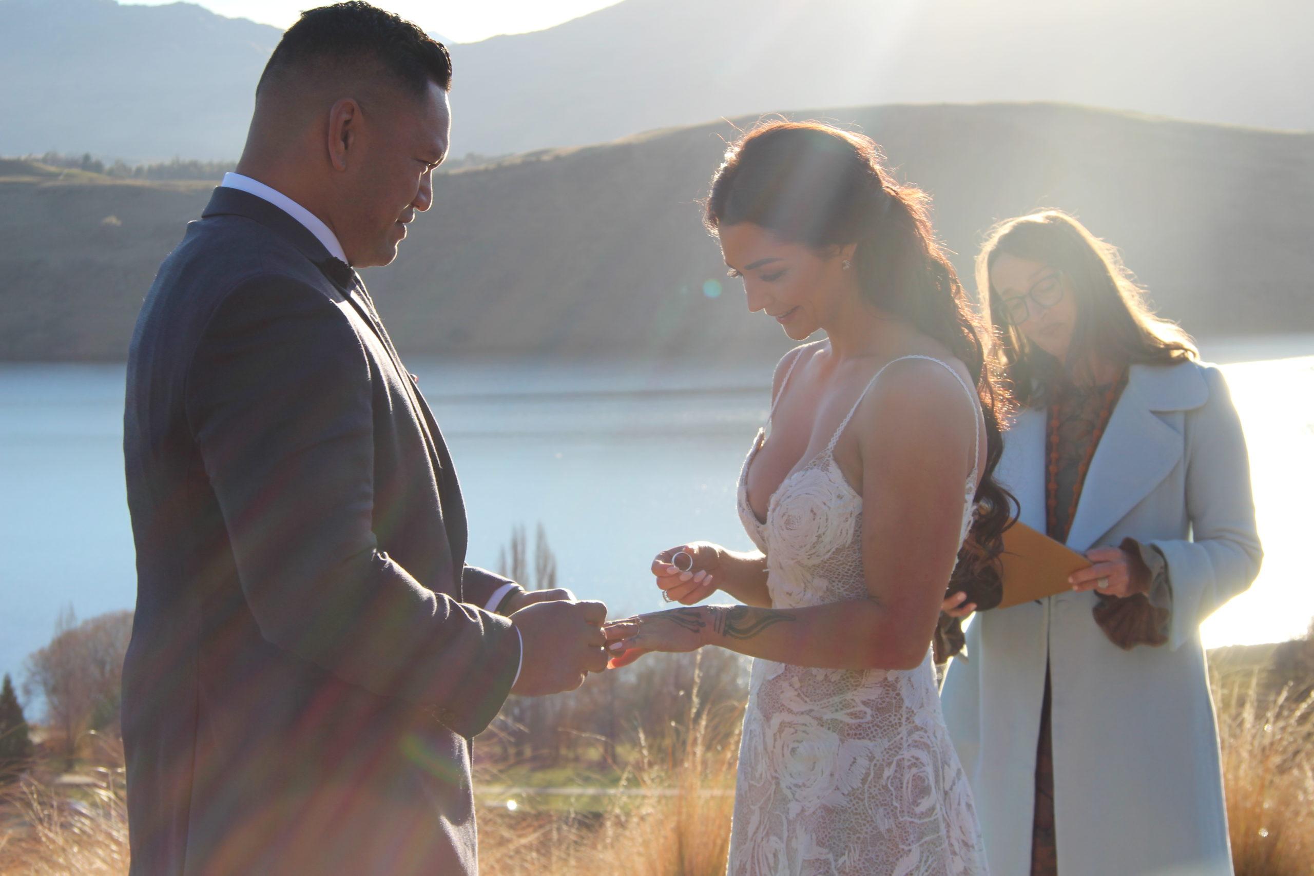 Queenstown Wedding Celebrant - Erin Hill 2