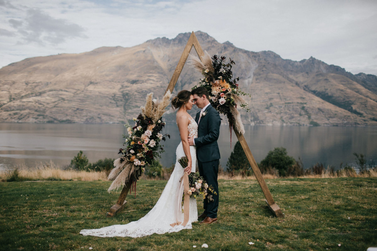 5 Reasons To Book A Queenstown Wedding Package
